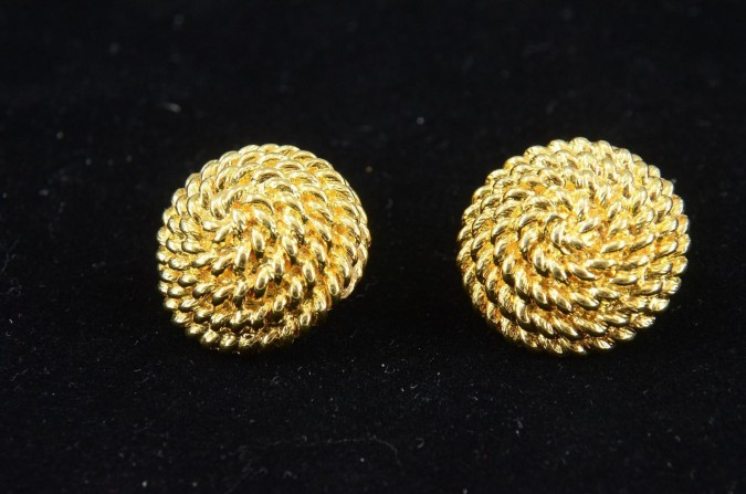 Vintage Costume Gold-tone Jewellery Earrings by MONET