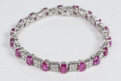 18  Karat Gold Bracelet with Over 3 Carat Diamonds and Over 12 Carat of Rubies