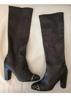 Chanel Pre-Owned  Exquisite Pair of Leather Women Boots 361/2 Europe
