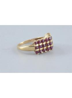 Vintage 10k Gold Women Ring Pavé Set With Garnet Stones