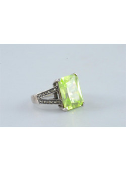 Sterling Silver Radiant Peridot Semi Precious Woman Ring Size 9
