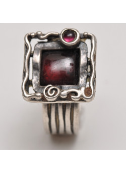 Artisan Sterling Silver Women Ring Square Garnet Cabochon Ring Size 8